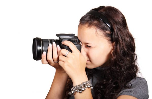 girl-with-camera