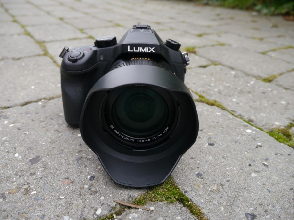 panasonic-fz-1000-front-on