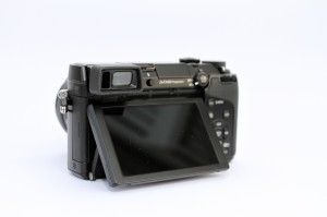 panasonic-lumix-dmc-gx7-back01.pg